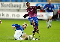 Fotball, 15. oktober 2003, UEFA - cupen, 1 runde, Molde Stadion, Molde-Leiria,  Caico, Leiria, og Magnus Kihlberg, molde