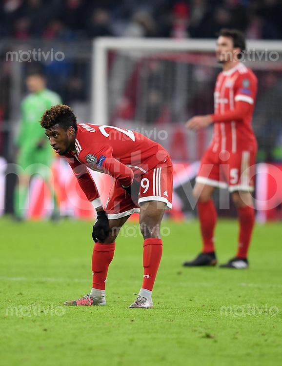 FUSSBALL CHAMPIONS LEAGUE SAISON 2017/2018 GRUPPENPHASE FC Bayern Muenchen - Paris Saint-Germain               05.12.2017 Kingsley Coman (FC Bayern Muenchen) verletzt sich kurz vor dem Abpfiff