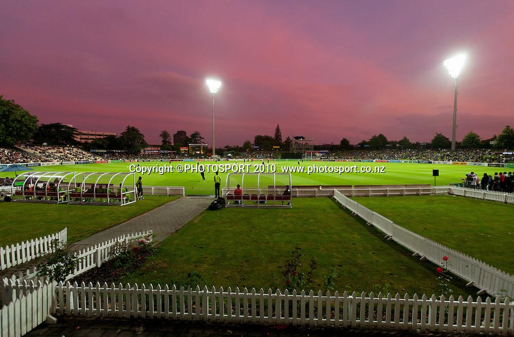 Sunset during New Zealand Black Caps v Pakistan, Match 2, won by NZ by 39 runs. Twenty 20 Cricket match at Seddon Park, Hamilton, New Zealand. Tuesday 28 December 2010. . Photo: Stephen Barker/PHOTOSPORT