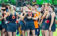 RIO DE JANEIRO -  Teleurstelling bij bondscoach Alyson Annan (m) en Oranje  na de finale tussen de dames van Nederland en  Groot-Brittannie (3-3) in het Olympic Hockey Center tijdens de Olympische Spelen in Rio.  GB wint na shoot outs . COPYRIGHT KOEN SUYK