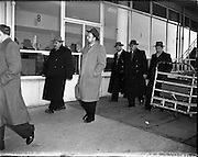 25/11/1958<br /> 11/25/1958<br /> 25 November 1958<br /> Russian delegates arrive at Dublin Airport for the International Fisheries Convention.