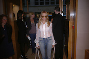 Sheryl Crow, Christopher Bailey hosts a party to celebrate the launch of ' The Snippy World of New Yorker Fashion Artist Michael Roberts' Burberry, New Bond St.  London. 19  September 2005. ONE TIME USE ONLY - DO NOT ARCHIVE © Copyright Photograph by Dafydd Jones 66 Stockwell Park Rd. London SW9 0DA Tel 020 7733 0108 www.dafjones.com
