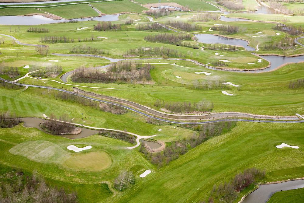 Nederland, Noord-Holland, Heemskerk, 16-04-2008; terrein van de Heemskerkse golfclub in de polder ten oosten van Beverwijk en Heemskerk; green, club, golf, balspel..luchtfoto (toeslag); aerial photo (additional fee required); .foto Siebe Swart / photo Siebe Swart.