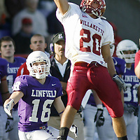 Willamette defeated Linfield 52-28 in a Northwest Conference showdown, at Linfield, on Saturday, October 25, 2008. TIMOTHY J. GONZALEZ | Statesman Journal