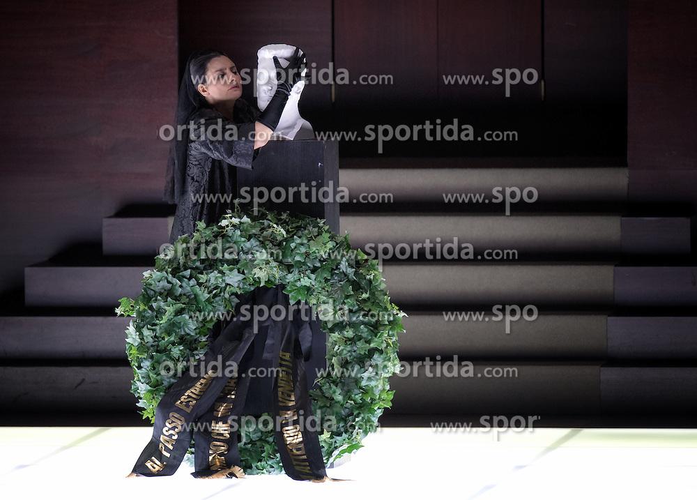 29.07.2016, Haus für Mozart, Salzburg, AUT, Salzburger Festspiele, Don Giovanni, im Bild Carmela Remigio als Donna Anna während der Fotoprobe zu Wolfgang Amadeus Mozarts Oper - Don Giovanni // Carmela Remigio als Donna Anna perform during the rehearsal of Wolfgang Amadeus Mozarts Don Giovanni'. The Salzburg festival takes place from 22 July to 31 August 2016, at the Haus für Mozart in Salzburg, Austria on 2016/07/29. EXPA Pictures © 2016, PhotoCredit: EXPA/ Ernst Wukits