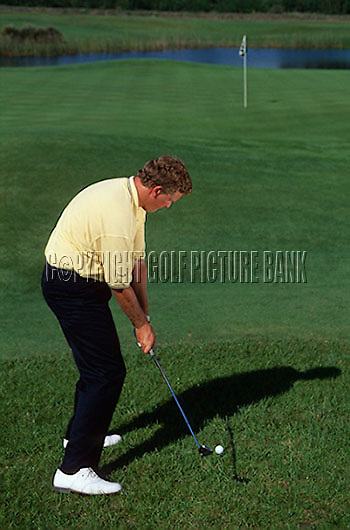 Colin Montgomerie chip shot technique<br /> EDITORIAL USE ONLY-NO MODEL RELEASE.