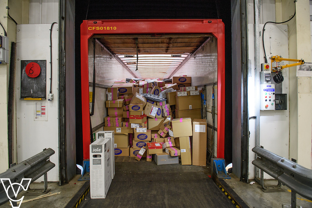 Stock / generic photographs taken at the Royal Mail's Yorkshire Distribution Centre, Normanton.  <br /> <br /> Parcels loose loaded on the back of a lorry<br /> <br /> Picture: Chris Vaughan Photography<br /> Date: November 15, 2016