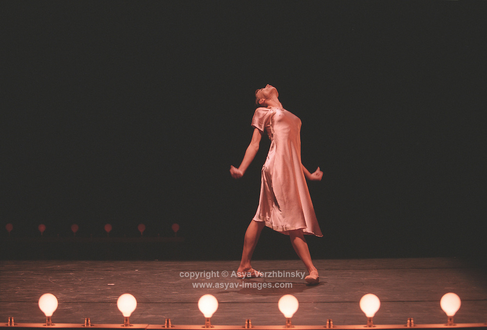 Oxana Panchenko in Cathy Marston's Non Exuent. George Piper Dances.