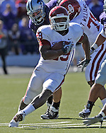 MANHATTAN, KS - OCTOBER 25:  Running back Chris Brown #29 of the Oklahoma Sooners rushes up field in the first half against the Kansas State Wildcats on October 25, 2008 at Bill Snyder Family Stadium in Manhattan, Kansas.  The Oklahoma Sooners won 58-35.