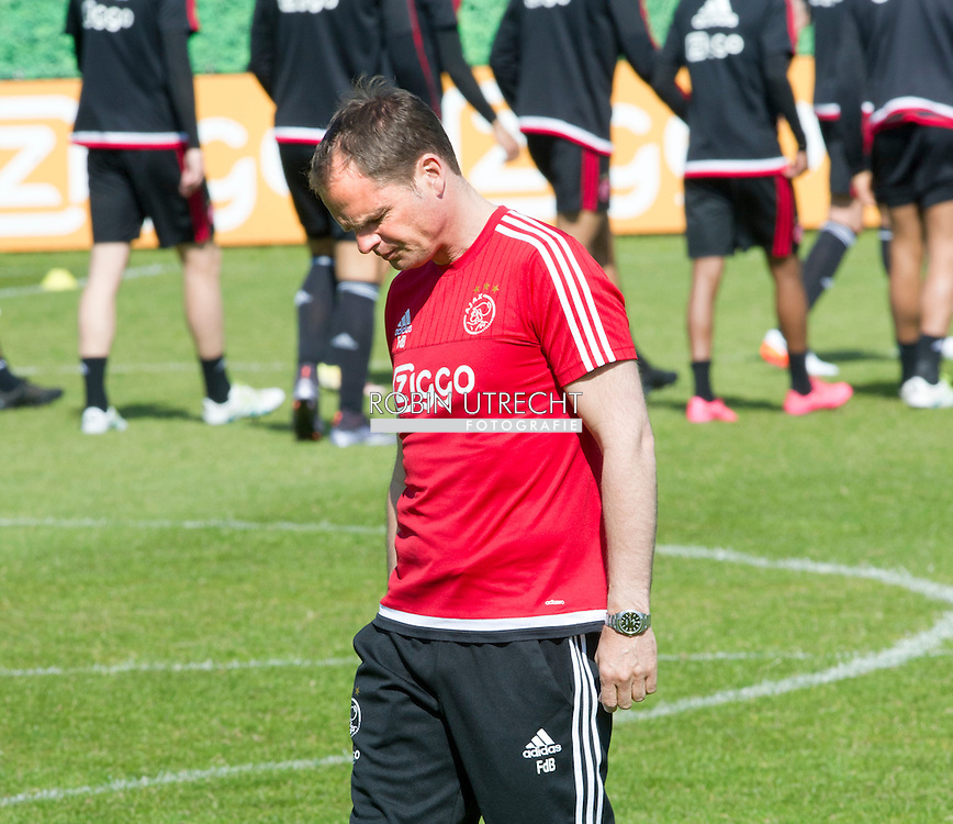 06-05-2016 VOETBAL: TRAINING AJAX: AMSTERDAM Frank de Boer  copyright robin utrecht