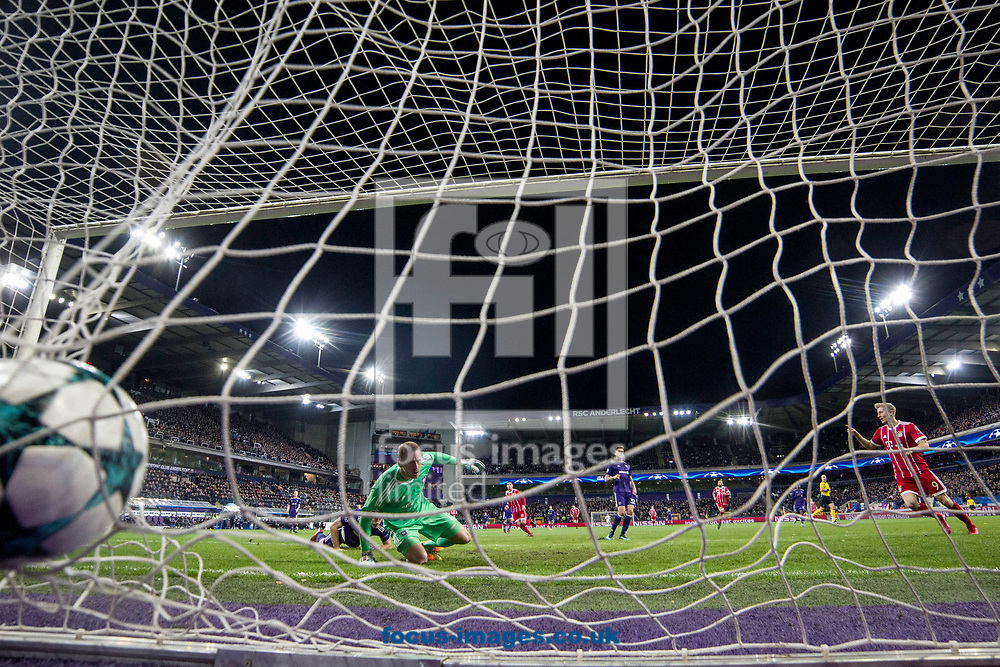 Robert Lewandowski of Bayern Munich scores their first goal during the UEFA Champions League match at Constant Vanden Stock Stadium, Anderlecht<br /> Picture by EXPA Pictures/Focus Images Ltd 07814482222<br /> 22/11/2017<br /> *** UK &amp; IRELAND ONLY ***<br /> EXPA-EIB-171122-0111.jpg