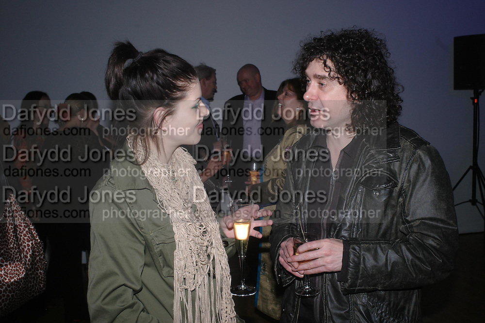 Laurie Smith and Trevor Beattie. Art Plus dance fundraising party. Whitechapel gallery. 21 March 2005. ONE TIME USE ONLY - DO NOT ARCHIVE  © Copyright Photograph by Dafydd Jones 66 Stockwell Park Rd. London SW9 0DA Tel 020 7733 0108 www.dafjones.com