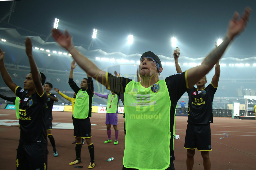 Iain Hume of Kerala Blasters FC during match 43 of the Hero Indian Super League between Delhi Dynamos FC and Kerala Blasters FC  held at the Jawaharlal Nehru Stadium, Delhi, India on the 10th January 2018<br /> <br /> Photo by: Deepak Malik  / ISL / SPORTZPICS