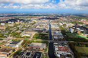 Nederland, Zuid-Holland, Delft, 09-05-2013; Delft-Zuid met water van Delftse Schie, gekruist door Kruithuisweg. Rechts de Campus TU Delft. Delft South, with to the right the Campus of the Delft University of Technology..luchtfoto (toeslag op standard tarieven).aerial photo (additional fee required).copyright foto/photo Siebe Swart