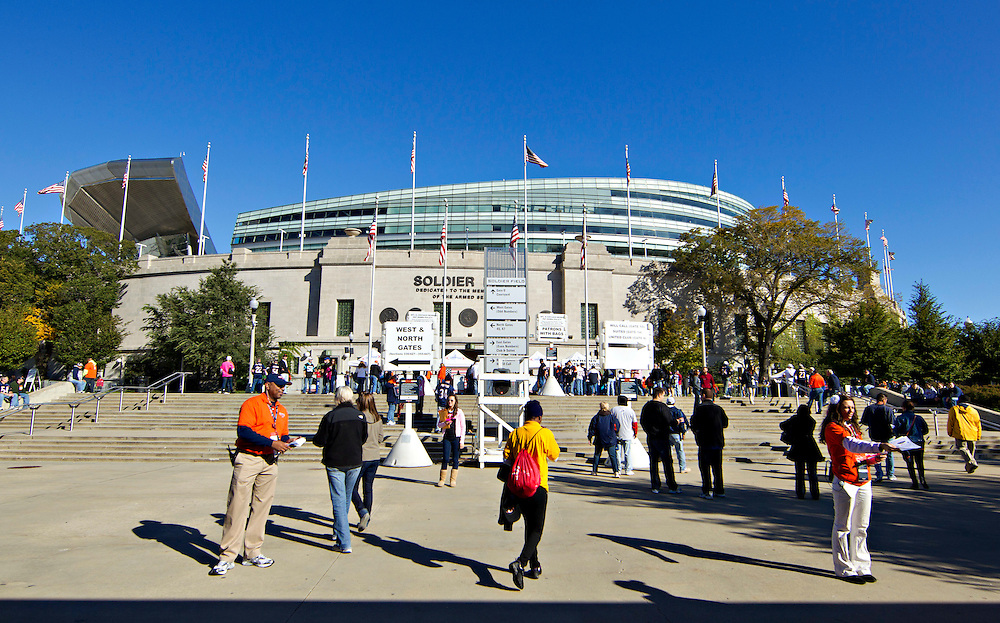 CHICAGO, IL - OCTOBER 2:   Fans walking to Soldier Field before a game between the Chicago Bears and the Carolina Panthers at Soldier Field on October 2, 2011 in Chicago, Illinois.  The Bears beat the Panthers 34 to 29.  (Photo by Wesley Hitt/Getty Images) *** Local Caption ***