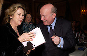 Princess Pahlabad and Julian Fellowes, Snobs by Julian Fellowes, the Ritz. 5 April 2004. ONE TIME USE ONLY - DO NOT ARCHIVE  © Copyright Photograph by Dafydd Jones 66 Stockwell Park Rd. London SW9 0DA Tel 020 7733 0108 www.dafjones.com