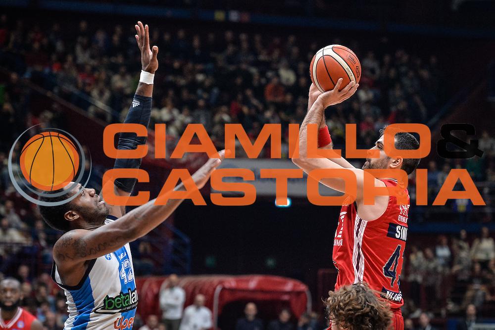 DESCRIZIONE : Milano Lega A 2015-16 <br /> GIOCATORE : Krunoslav Simon<br /> CATEGORIA : Tiro<br /> SQUADRA : Olimpia EA7 Emporio Armani Milano<br /> EVENTO : Campionato Lega A 2015-2016<br /> GARA : Olimpia EA7 Emporio Armani Milano Betaland Capo d'Orlando<br /> DATA : 13/12/2015<br /> SPORT : Pallacanestro<br /> AUTORE : Agenzia Ciamillo-Castoria/M.Ozbot<br /> Galleria : Lega Basket A 2015-2016 <br /> Fotonotizia: Milano Lega A 2015-16