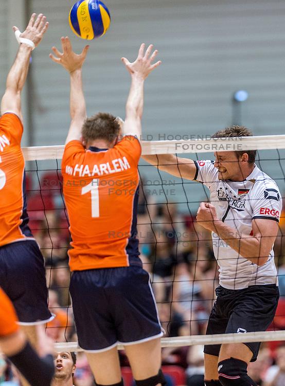 05-06-2016 NED: Nederland - Duitsland, Doetinchem<br /> Nederland speelt de laatste oefenwedstrijd ook in  Doetinchem en speelt gelijk 2-2 in een redelijk duel van beide kanten / Christian Fromm #1