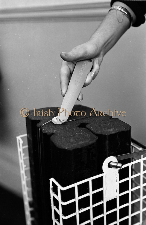 24/01/1963<br /> 01/24/1963<br /> 24 January 1963<br /> Peat Briquette bale opener demonstration at Bord na Mona.