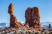 Balanced Rock, Arches National Park, Utah, USA.