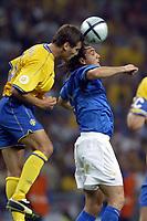 PORTO 18/6/2004 Euro2004 <br />ITALIA SWEDEN<br />VIERI AND EDMAN<br />Photo Andrea Staccioli Graffiti