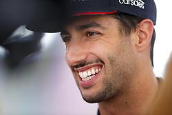 November 23, 2017 - Abu Dhabi, United Arab Emirates - Motorsports: FIA Formula One World Championship 2017, Grand Prix of Abu Dhabi, .#3 Daniel Ricciardo (AUS, Red Bull Racing) (Credit Image: © Hoch Zwei via ZUMA Wire)