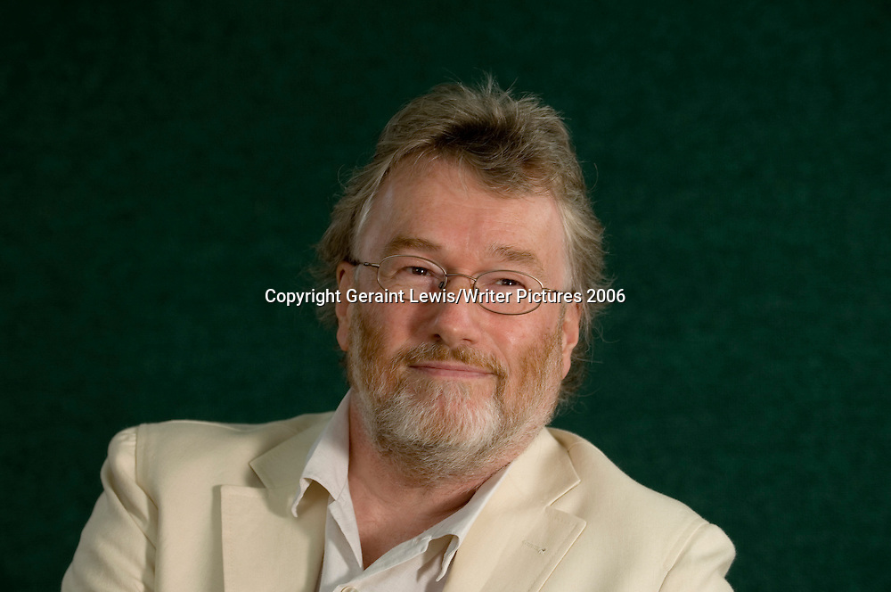 Iain Banks at the Edinburgh Book Festival, 2006<br /> <br /> copyright Geraint Lewis/Writer Pictures<br /> contact: +44 (0)20 8241 0039<br /> sales@writerpictures.com<br /> www.writerpictures.com