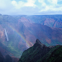 Hawaii, Kauai, Waimea Canyon, Grand Canyon of the Pacific, Waipo`o Falls, rainbow, waterfall