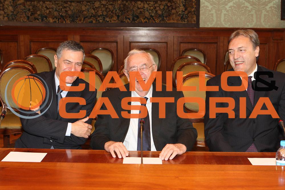 DESCRIZIONE : Roma Palazzo Chigi Commissione FIBA in visita per assegnazione dei Mondiali 2014<br />GIOCATORE : Boris Stankovic Massimo Cilli Dino Meneghin<br />SQUADRA : Fiba Fip<br />EVENTO : Visita per assegnazione dei Mondiali 2014<br />GARA :<br />DATA : 03/04/2009<br />CATEGORIA : Ritratto<br />SPORT : Pallacanestro<br />AUTORE : Agenzia Ciamillo-Castoria/G.Ciamillo<br />Galleria : Italia 2014<br />Fotonotizia : Roma visita per assegnazione dei Mondiali 2014<br />Predefinita :