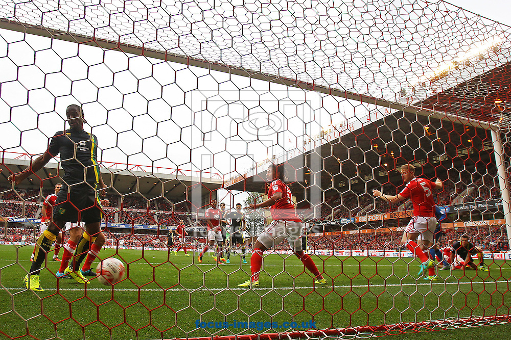 Jonny Howson of Norwich scores his sides 1st goal during the Sky Bet Championship match at the City Ground, Nottingham<br /> Picture by Paul Chesterton/Focus Images Ltd +44 7904 640267<br /> 17/09/2016
