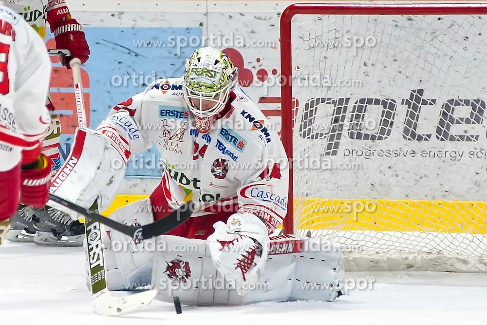 28.12.2015, Ice Rink, Znojmo, CZE, EBEL, HC Orli Znojmo vs HCB Suedtirol, 36. Runde, im Bild Jaroslav Hubl (HCB Sudtirol) // during the Erste Bank Icehockey League 36nd round match between HC Orli Znojmo and HCB Suedtirol at the Ice Rink in Znojmo, Czech Republic on 2015/12/28. EXPA Pictures © 2015, PhotoCredit: EXPA/ Rostislav Pfeffer