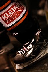 08.02.2011, Eisstadion Liebenau, Graz, AUT, EBEL, Moser Medical Graz 99ers vs HDD Tilia Olimpija Ljubljana, im Bild Eislaufschuhe, Stutzen und Kleine Zeitung, EXPA Pictures © 2011, PhotoCredit: EXPA/ Erwin Scheriau