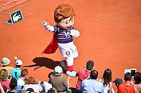 SUPER VICTOR (Mascotte Euro 2016) - 23.05.2015 - Tennis - Journee des enfants - Roland Garros 2015<br /> Photo : David Winter / Icon Sport