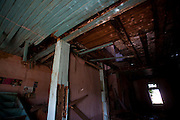 Pitangui_MG, Brasil...Casa abandonada em Pitangui, Minas Gerais...Abandoned house in Pitangui, Minas Gerais...Foto: LEO DRUMOND / NITRO
