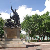 Monumento a Jose Feliz Ribas, en la Plaza La Victoria. La Victoria, Julio, 15 del 2010. Jimmy Villalta