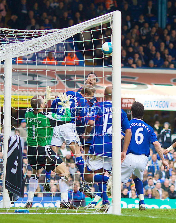BIRMINGHAM, England - Sunday, February 11, 2007: Everton's Joleon Lescott scores the opening goal with a header against Birmingham City during the Premiership match at St Andrews. (Photo by David Rawcliffe/Propaganda)