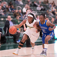 2nd year guard Kyia Giles (6) of the Regina Cougars during the Women's Basketball home game on November 24 at Centre for Kinesiology, Health and Sport. Credit: Arthur Ward/Arthur Images