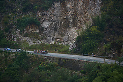 The peloton approach at GREE Tour of Guangxi Women's World Tour 2018, a 145.8 km road race in Guilin, China on October 21, 2018. Photo by Sean Robinson/velofocus.com