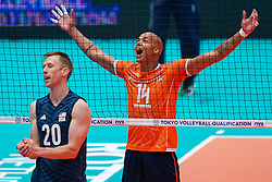 11-08-2019 NED: FIVB Tokyo Volleyball Qualification 2019 / Netherlands - USA, Rotterdam<br /> Final match pool B in hall Ahoy between Netherlands vs. United States (1-3) and Olympic ticket  for USA / David Smith #20 of USA, Nimir Abdelaziz #14 of Netherlands