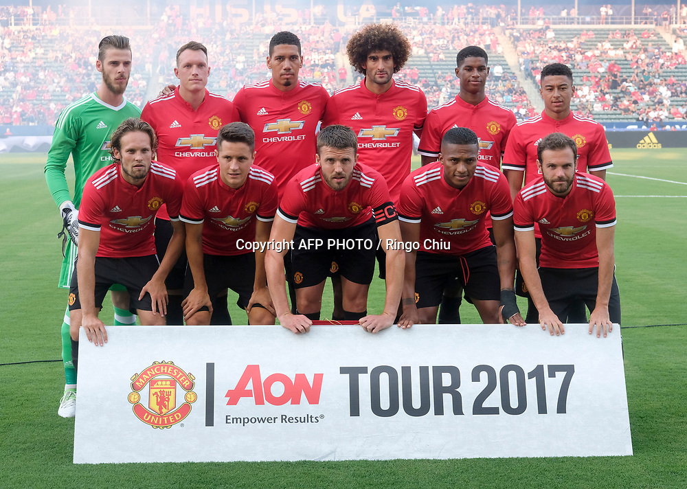 Manchester United team photo prior to their national friendly soccer game against Los Angeles Galaxy at StubHub Center on July 15, 2017 in Carson, California.   AFP PHOTO / Ringo Chiu