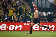 Photo: Gerrit de Heus. Rotterdam. UEFA Cup Final. Feyenoord-Borussia Dortmund. Pierre van Hooijdonk just scored his second goal. Keywords: doelpunt, juichen