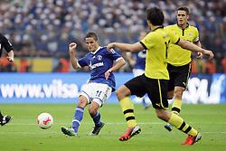 20-10-2012 VOETBAL: BORUSSI DORTMUND - FC SCHALKE 04: DORTMUND<br /> Ibrahim Afellay (FC Schalke 04), Mats Hummels (Borussia Dortmund), Sebastian Kehl <br /> ***NETHERLANDS ONLY***<br /> ©2012-FotoHoogendoorn.nl/Oliver Vogler