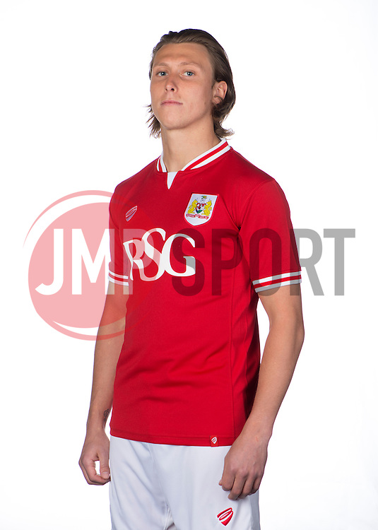 Bristol City's Luke Freeman  - Photo mandatory by-line: Joe Meredith/JMP - Mobile: 07966 386802 - 28/04/2015 - SPORT - Football - Bristol - SGS Wise Campus