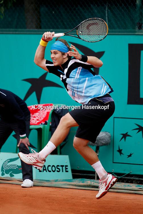 French Open 2010, Roland Garros, Paris, Frankreich,Sport, Tennis, ITF Grand Slam Tournament,  ..Lukas Lacko (SVK)..Foto: Juergen Hasenkopf..