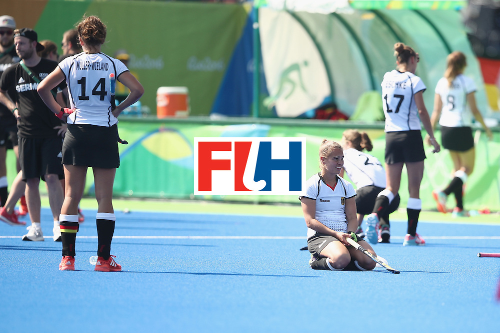 RIO DE JANEIRO, BRAZIL - AUGUST 17:  The Germany players look dejected after defeat during the womens semifinal match between the Netherlands and Germany on Day 12 of the Rio 2016 Olympic Games at the Olympic Hockey Centre on August 17, 2016 in Rio de Janeiro, Brazil.  (Photo by Mark Kolbe/Getty Images)