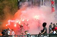 AMSTELVEEN  - Hockey -  1e wedstrijd halve finale Play Offs dames.  Amsterdam-Bloemendaal (5-5), Bl'daal wint na shoot outs. Bloemigans, bloomigans, supporters.   COPYRIGHT KOEN SUYK