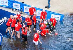 29.06.2013, Klagenfurt, AUT, 15. IRONMAN Austria, im Bild der Ausstieg vom Schwimmen// during the 15 th IRONMAN Austria, Klagenfurt, Austria on 2013/05/29. EXPA Pictures © 2013, PhotoCredit: EXPA/ Sebastian Pucher
