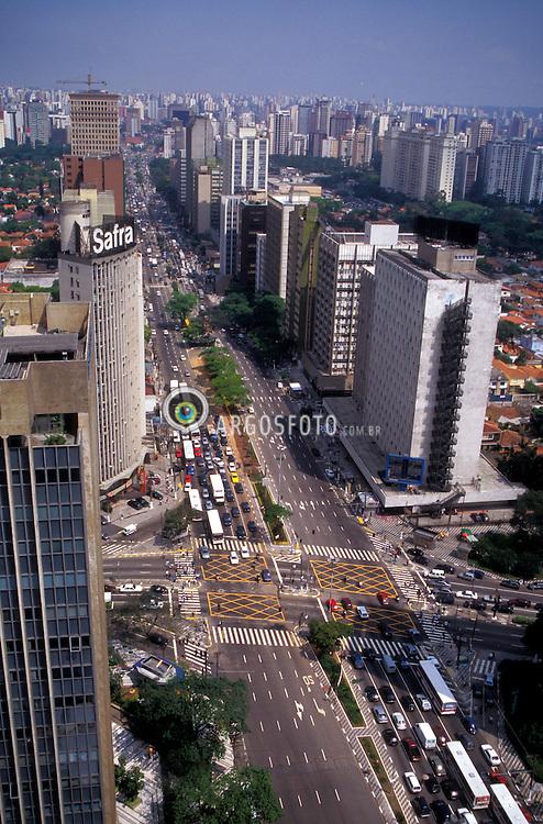 Sao Paulo, Sao Paulo, Brasil. 09/1998.Avenida Faria Lima vista de cima. Cruzamento com Av. Reboucas./ Faria Lima Avenue seem from above. Crossing with Reboucas Avenue..Foto ©Adri Felden/Argosfoto