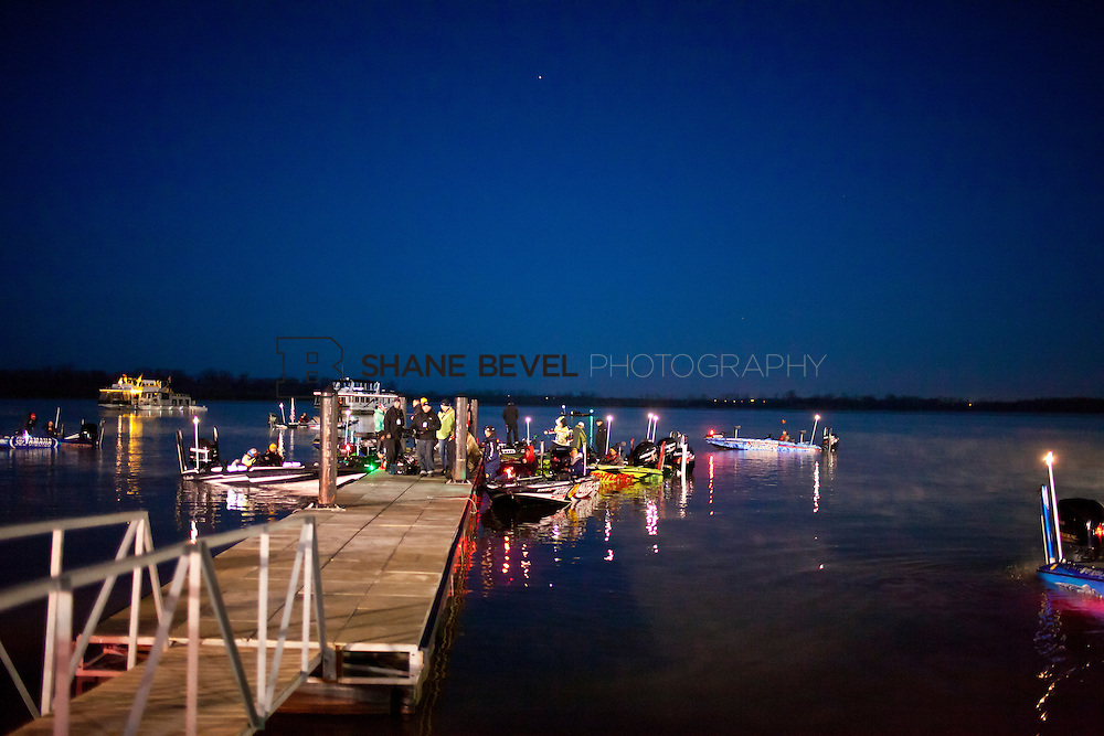 2/25/12 7:14:15 AM -- during the 2012 Bassmaster Classic on the Red River in Shreveport, La. ..Photo by Shane Bevel.Boats launch on the Red River. .Boats launch on the Red River.