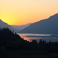 Sunset, Columbia River Gorge near Hood River, Oregon.